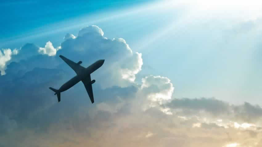 Airplane in flight - Travel with CPAP